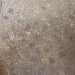 Very dirty floor !