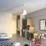 Photo de Eveline Apartments