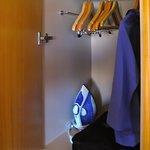 Room 1812 - Bedroom Closet