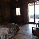 Habitaciones todas con una vista espectacular al desierto.