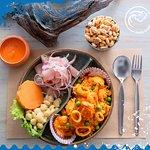Disfruta de nuestro Combo de Arroz con Mariscos y Ceviche de Pescado