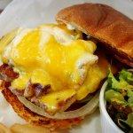صورة فوتوغرافية لـ Burger Mania Hiroo