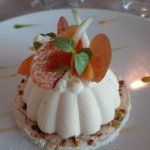 abricotine et macaron lavande, pistaches