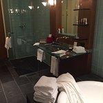 Super grande salle de bain. Suite Prestige