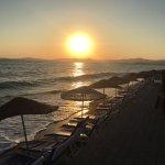 Denize sıfır otelimizin plajında güneşin batışını keyifle izleyebilirsiniz.