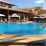 Photo de Atlantis Beach Hotel