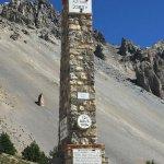 monument en haut du col