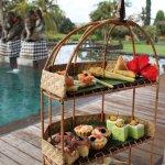 Afternoon tea près de la piscine