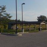 2017-08-24 Midland Inn-Picnic Area