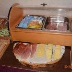 le beurre, les charcuteries, les fromages, les compotes