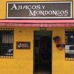Bienvenidos a Ajiacos y Mondongos