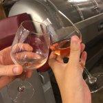Rien de tel que de profiter d'une dégustation de vin accompagnée d'explications passionnantes pa