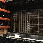 Auditorium mit eisernem Vorhang