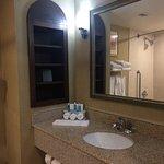 Photo de Holiday Inn Express Hotel & Suites Huntsville