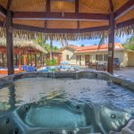 3-Bedroom Private Pool & Spa - Lime Blossom
