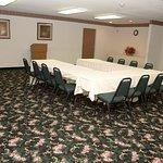 Photo de GuestHouse Inn & Suites Tumwater