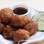 Prawn Roll 虾枣 - 小 ($8)