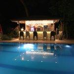 Photo de Buhana Hotel