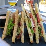 Club sandwich with chiken