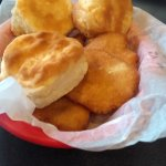 The basket of bread - biscuits and fried cornbread - devilishly addicitive...