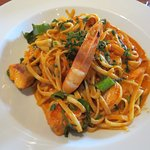 Linguini with salmon and prawns