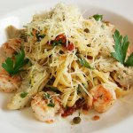 Linguine with Shrimp, Artichokes & Capers