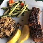Salmon House Restaurant resmi