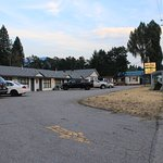 motel outside parking