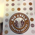 ภาพถ่ายของ Big Apple Donuts & Coffee