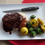filet mignon with baby patty pan squash