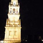 Torre de la Catedral de iluminada