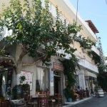 Photo de Hotel Myrtos