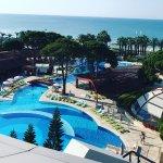 Cornelia De Luxe Resort resmi
