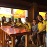 Con nuestros clientes apoyando la Selección Colombia