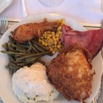 Fried Chicken, Ham, Green Beans, Mashed Potatoes. All very good!