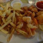Shrimp Plate (no color, no garnish, plastic ramekins)