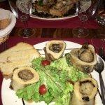 Escargots de Bourgogne et os à moelle pour le diner