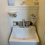 Tiny sink! Queen Mary/King William