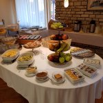 Buffet breakfast included with room