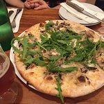 Beschamel pizza alla fungi