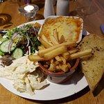 Lasage, chips and salad