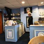 Lingla Cafe & Gift Shop
