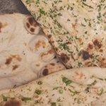 Plain / Garlic & Coriander / Fresh Chilli naan bread.