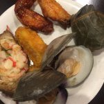 chicken wings, stuff crab, steam clams, mochi rice in lotus leaf