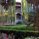 Wunderschöner Garten mit Turm