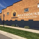 Boathouse Beer Co. & Boozery