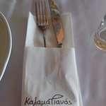 Small but smart touches from Kalamatianos (hot tissues & table service)