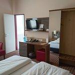 Photo de Novina Hotel Tillypark