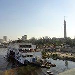 Los barcos cruceros casinos y la Cairo Tower la isla Gezirah