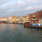 Morgens im Canale Grande